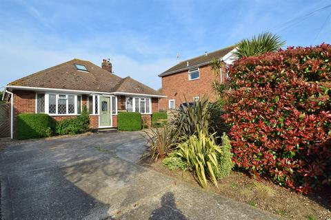 4 bedroom detached bungalow for sale - Kimberley Grove, Seasalter, Whitstable
