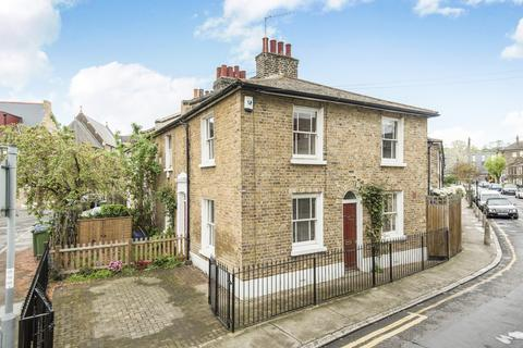 2 bedroom terraced house for sale - Whitworth Street London SE10