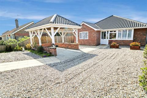 3 bedroom detached bungalow for sale - The Promenade, Scratby, NR29