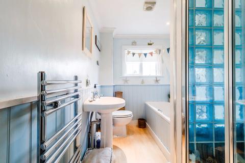 2 bedroom flat to rent - Kimberley Road, London, SW9
