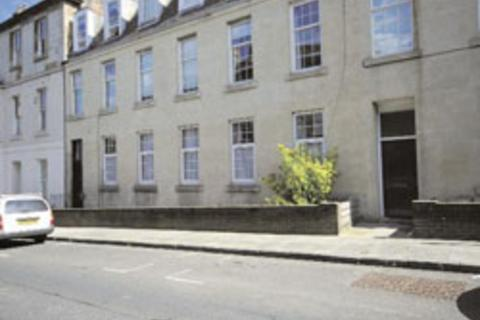 4 bedroom flat to rent - Grove Street, Haymarket, Edinburgh, EH3 8AF