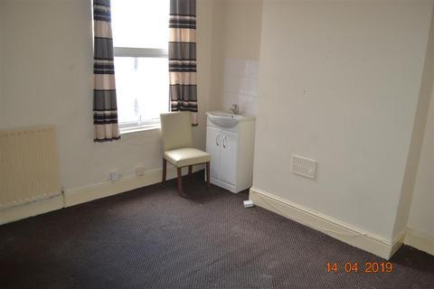 2 bedroom apartment to rent - Flat 2, 182 Lea Road, Wolverhampton