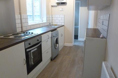 3 bedroom terraced house to rent - Bolton Road, Leicester,