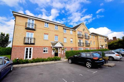 2 bedroom flat for sale - Ensign Close, Leigh-On-Sea