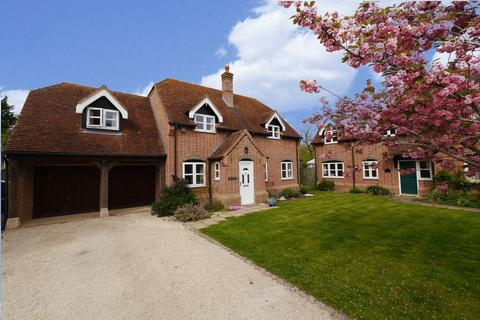 4 bedroom detached house for sale - The Rickyard, Chalgrove