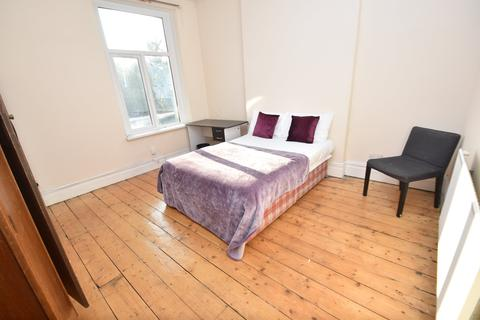 1 bedroom in a house share to rent - Connaught Road, Roath,