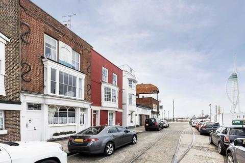 3 bedroom townhouse to rent - Broad Street, Old Portsmouth
