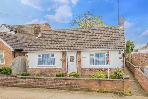 2 bedroom bungalow for sale - Regent Road, Burton Latimer, Kettering