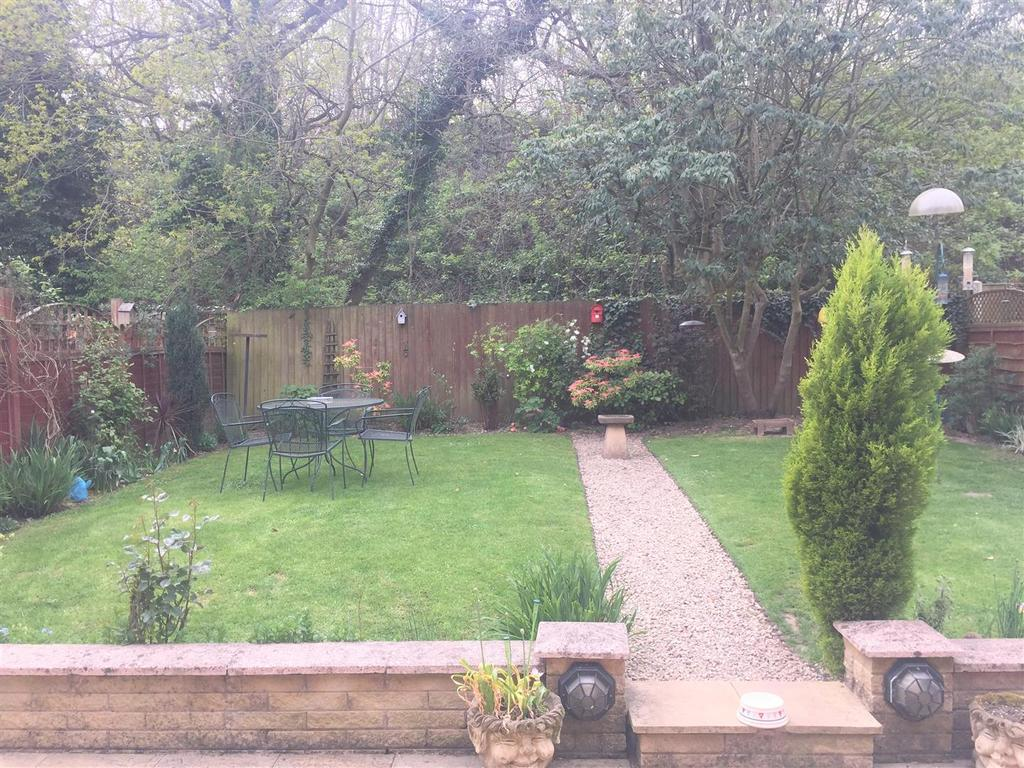Burlish 20 garden1.jpg