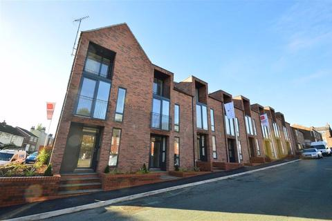 3 bedroom townhouse for sale - Loney Street, Macclesfield