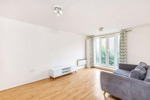 2 bedroom flat - Churchill Lodge, 346 Streatham High Road, Streatham