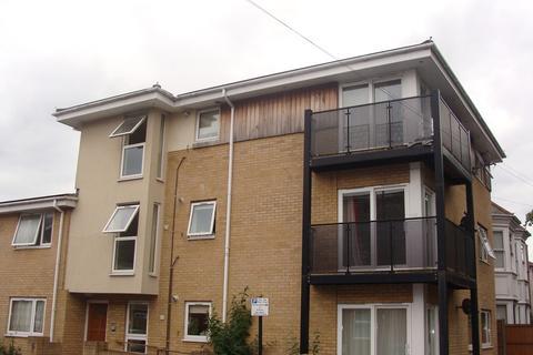 2 bedroom flat to rent - Millbrook Road East, Southampton