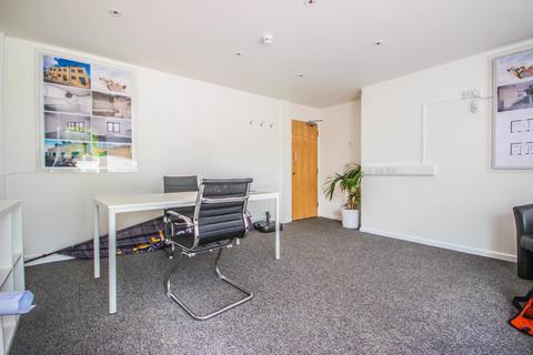 1 bedroom property with land to rent - Wellsway, Bath