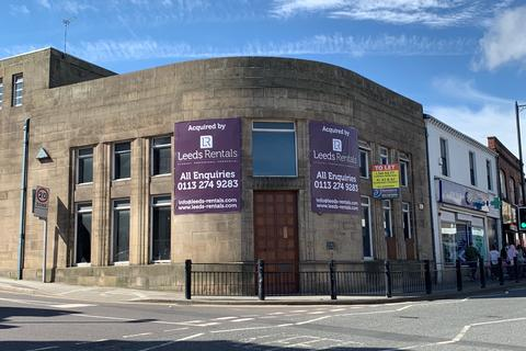 Retail property (out of town) to rent - Town Street, Armley, Leeds LS12
