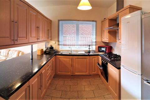 8 bedroom house to rent - abberton road, fallowfield, manchester M20
