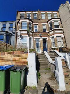 4 bedroom terraced house to rent - Piedmont Road, London, SE18