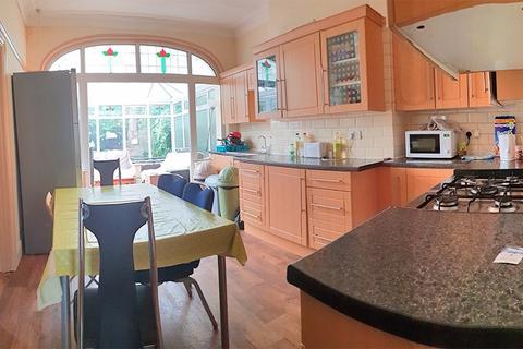 6 bedroom semi-detached house to rent - SHARED HOUSE - 5 Keddleston Avenue, M14 5PT