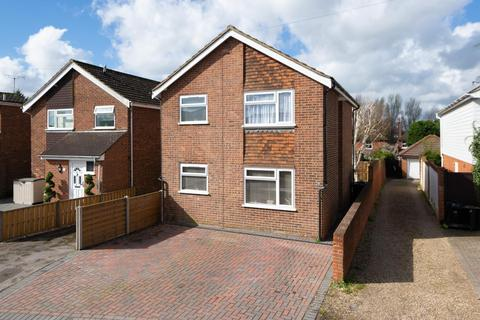 3 bedroom detached house for sale - Burton Road, Kennington, Ashford, TN24