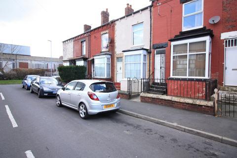 3 bedroom terraced house to rent - Nowell Crescent, Leeds, LS9