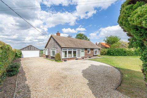 3 bedroom detached bungalow for sale - Half Acre, Great Walsingham