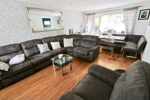 4 bedroom detached house for sale - Ventnor Gardens, Luton, LU3
