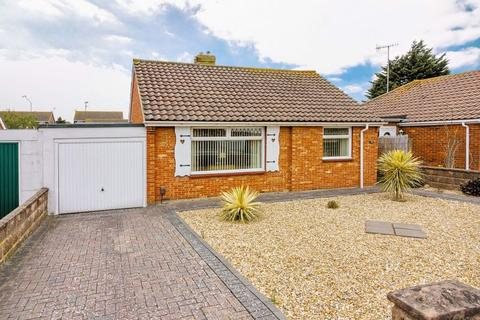 2 bedroom bungalow for sale - Western Road North, Lancing