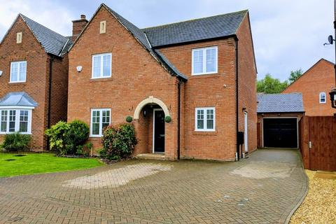 4 bedroom detached house for sale - Cookson Close, Muxton, Telford