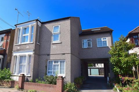 1 bedroom apartment to rent - Cliffsea Grove, Leigh-On-Sea