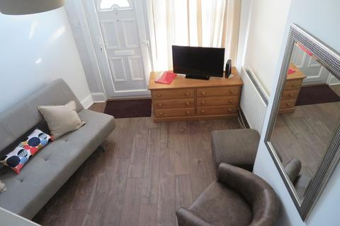 2 bedroom serviced apartment to rent - Downend Road, Bristol