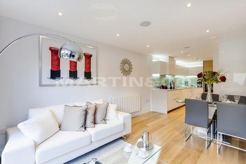 3 bedroom townhouse for sale - Bromyard Avenue   London