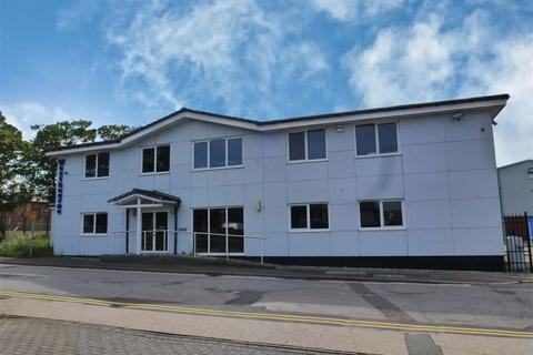 Industrial unit to rent - Shorncliffe Industrial Estate, Folkestone, Kent