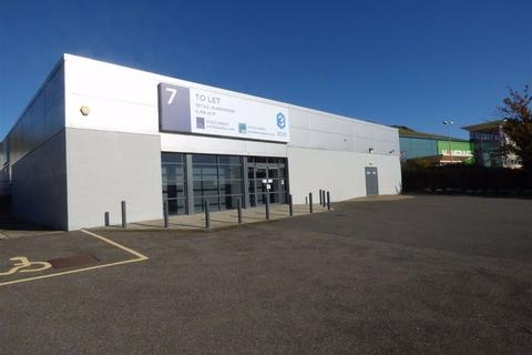 Industrial unit to rent - Park Farm Industrial Estate, Folkestone, Kent