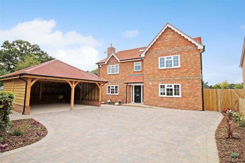 6 bedroom detached house for sale - Bishops Road, Tutts Clump, Berkshire