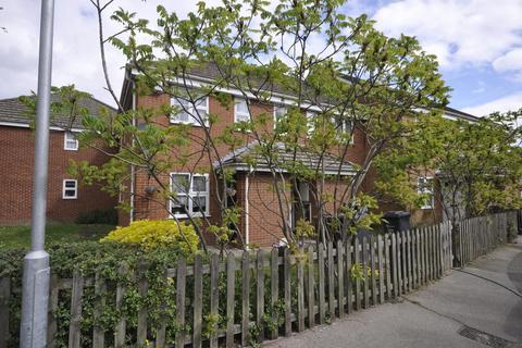 1 bedroom apartment to rent - Wallers Close, Dagenham