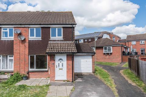 3 bedroom semi-detached house for sale - Manley Road, Bursledon SO31