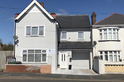 8 bedroom detached house for sale - Goldthorn Hill, Goldthorn