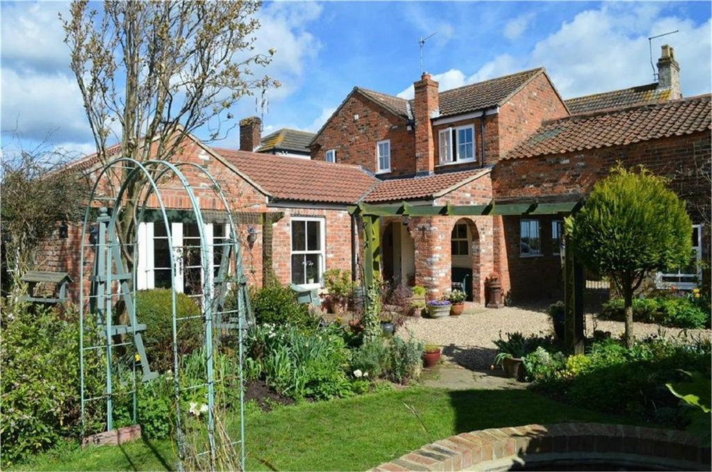 4 Bedrooms House for sale in Brigham House, New Ellerby, East Riding of Yorkshire