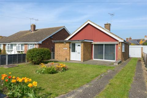 2 bedroom detached bungalow for sale - Clover Rise, Whitstable, Kent