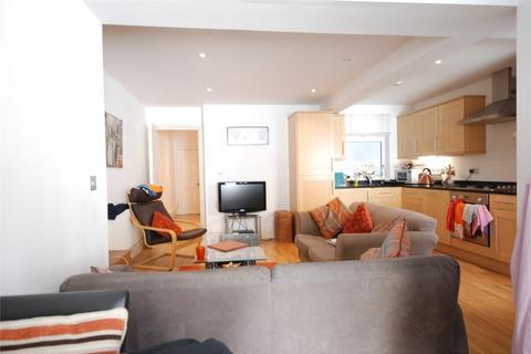 2 bedroom flat to rent - Plato Road, Clapham North
