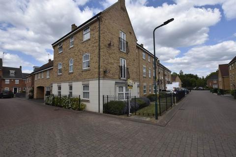 2 bedroom flat for sale - Lyvelly Gardens, Peterborough,