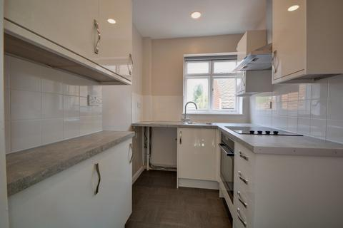2 bedroom apartment to rent - The Square, Liphook