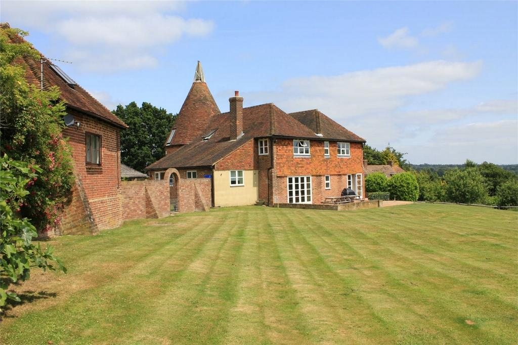 5 Bedrooms Detached House for sale in Whatlington Road, BATTLE, East Sussex