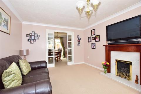 4 bedroom detached house for sale - Lorimar Court, Sittingbourne, Kent