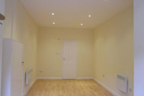 Studio to rent - Clifton Rise, New Cross, London, SE14 6JP