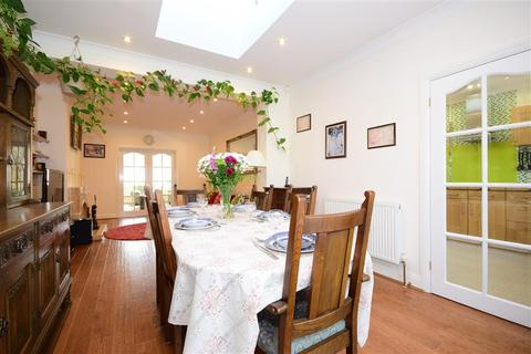 5 bedroom semi-detached house for sale - Gaynes Park Road, Upminster, Essex