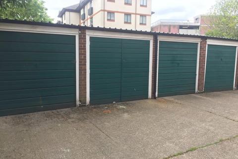 Garage to rent - Church Road, Richmond, TW9