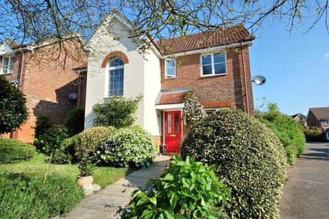 4 bedroom detached house for sale - Blackberry Way, Whitstable