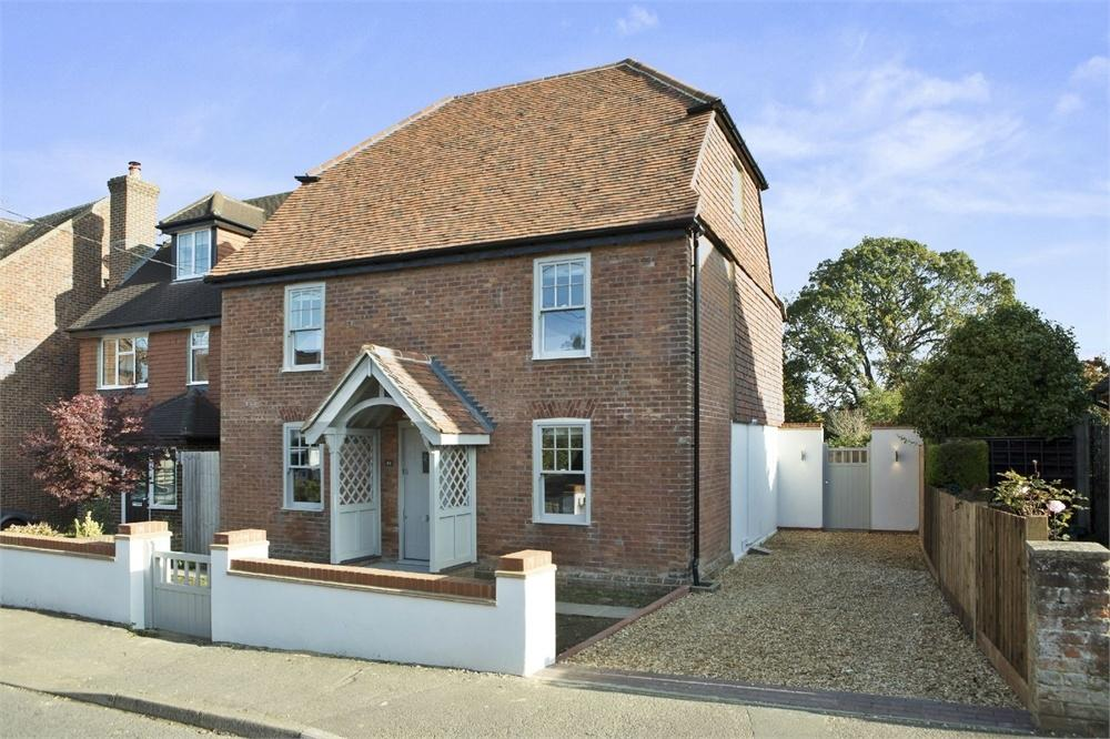 4 Bedrooms Detached House for sale in New Road, Milford, Godalming, Surrey