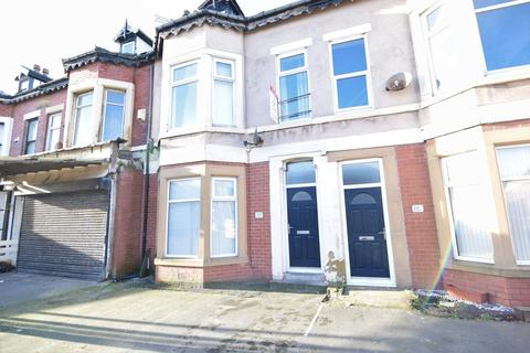 4 bedroom maisonette to rent - Lytham Road, Blackpool