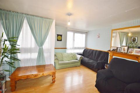 3 bedroom maisonette for sale - Fern Street, Bow, London, E3 3PT